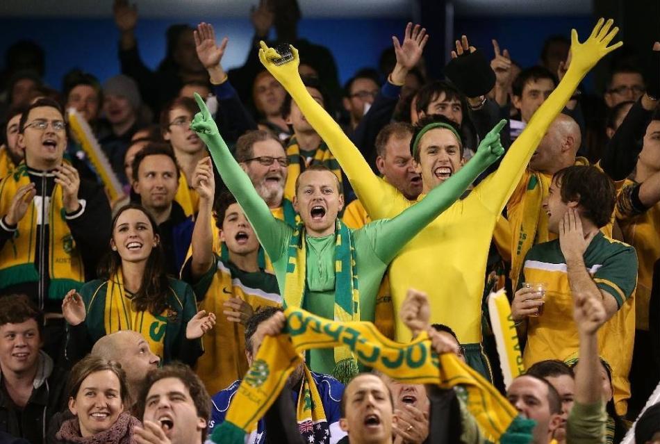 australia-fans.jpg